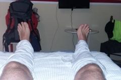 Geschundene Beine kühlen.